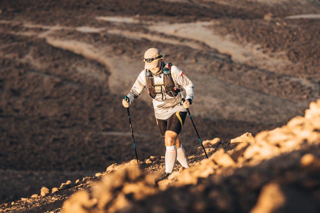 Franciszkanin o. Jacek Wójtowicz na Runmageddon Global Sahara 2019