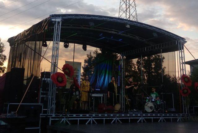 Koncert zespołu Krzikopa podczas Wielokulturowej Sobótki nad Wisłokiem 2019