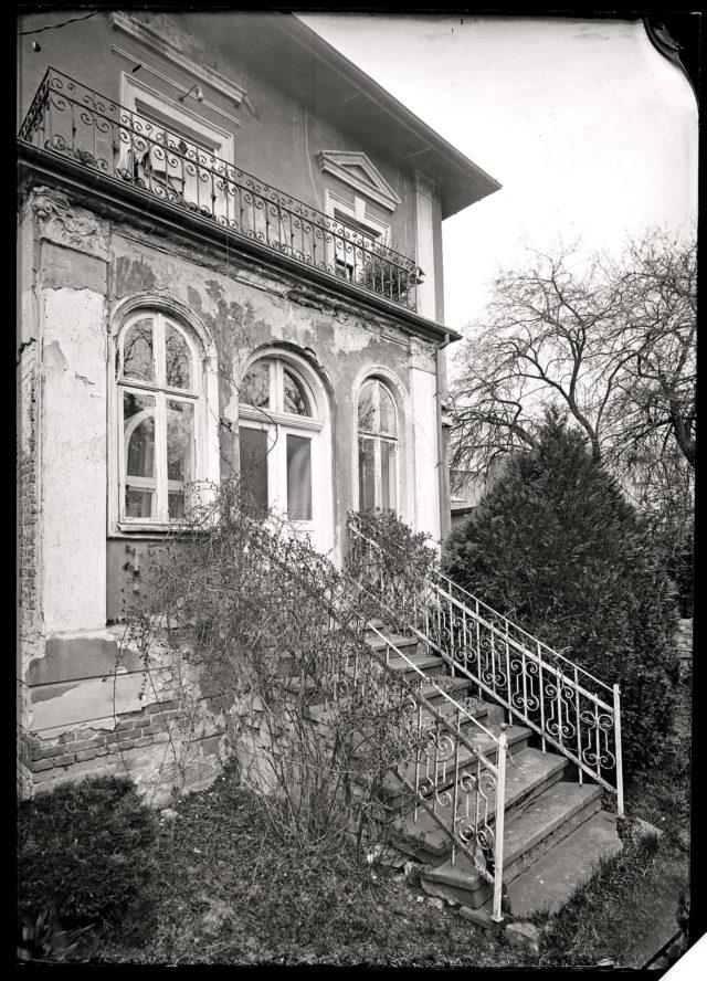 Jedna z willi krośnieńskich w obiektywie Jakuba Jana Kaski, zdjęcie wykonane historyczną techniką fotograficzną mokrego kolodionu na szkle