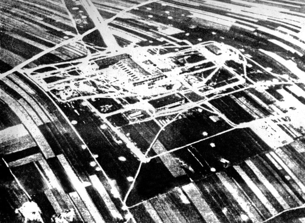 Lotnisko Krosno I Grupa III po bombardowaniu 1 września 1939 r.